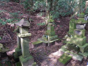 桂山寺跡(赤山靱負の墓・日置市)