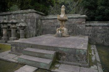 お由良の墓(福昌寺・鹿児島市)